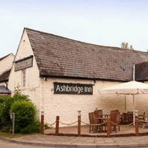 Table Table - Ashbridge Inn - Cwmbran