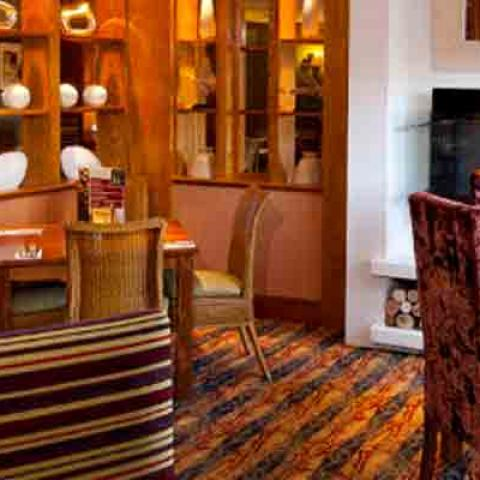 Table Table - The Ormonde - Newmarket