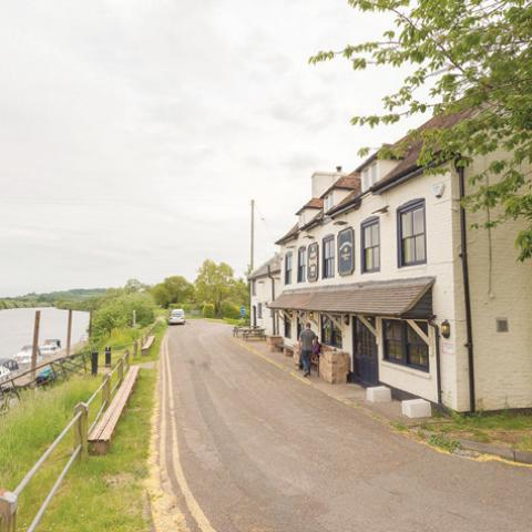 The Hawbridge Inn