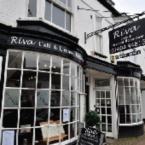 Riva Cafe & Restaurant